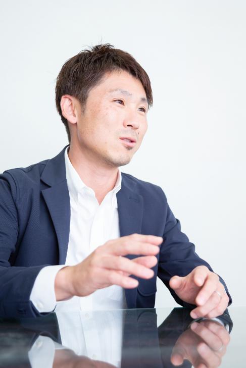 専務取締役 岩崎 真一郎